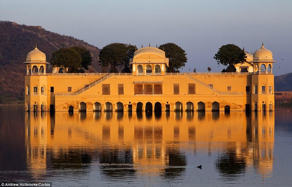 """沉寂两百年的印度""""漂浮""""宫殿"""