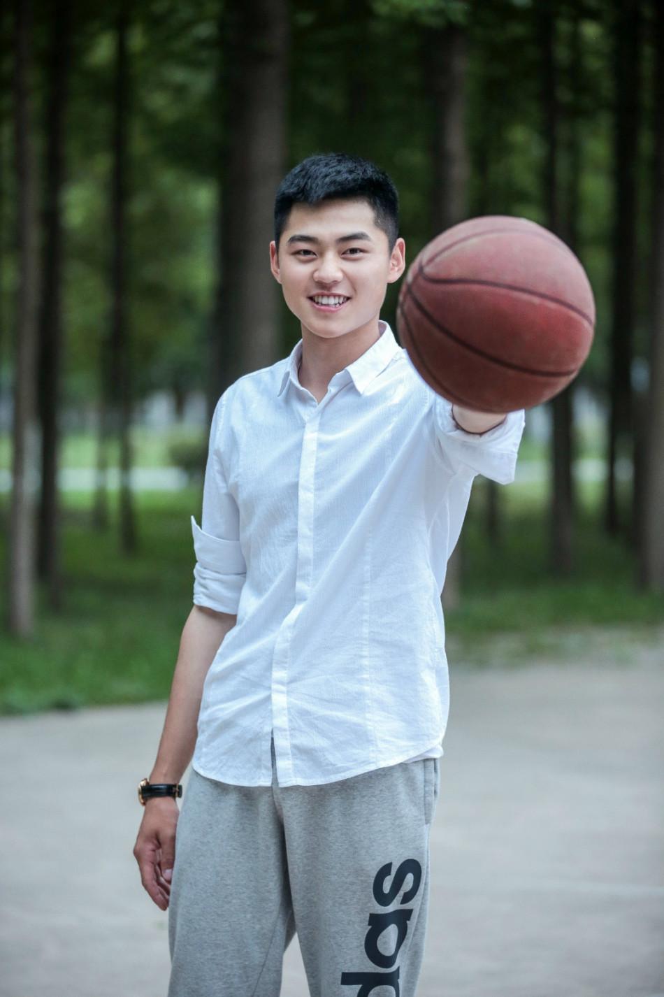 16岁帅哥头像生活照片,单身汉其实是最自由的-男生头像