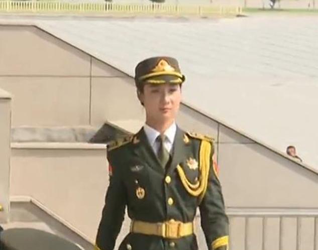 仪仗队女兵生活照惊艳