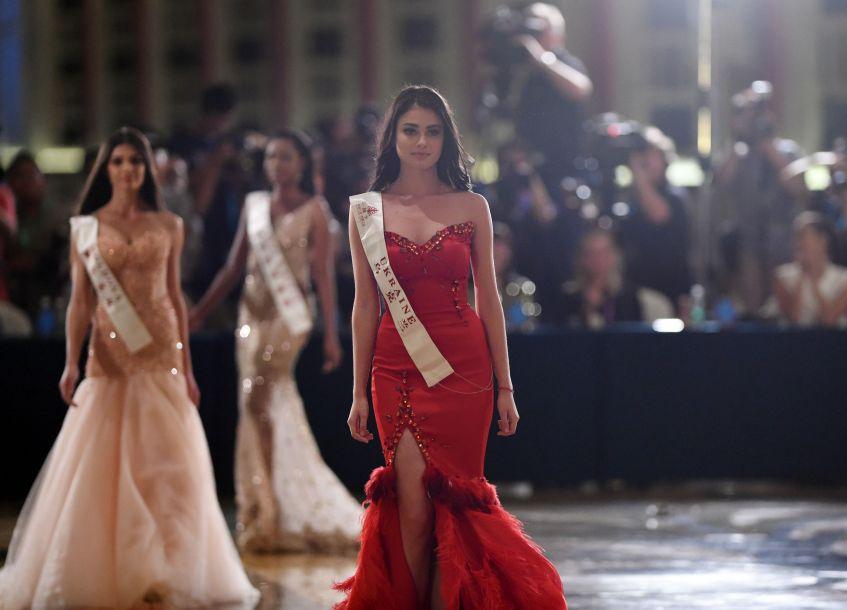 百名世界小姐冠军亮相三亚顶级模特秀