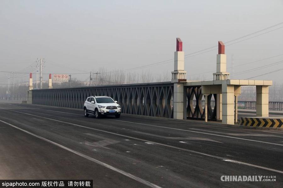 坐落于山东滨州东海一路南端的南京长江大桥长100米,跨度80米,宽度20