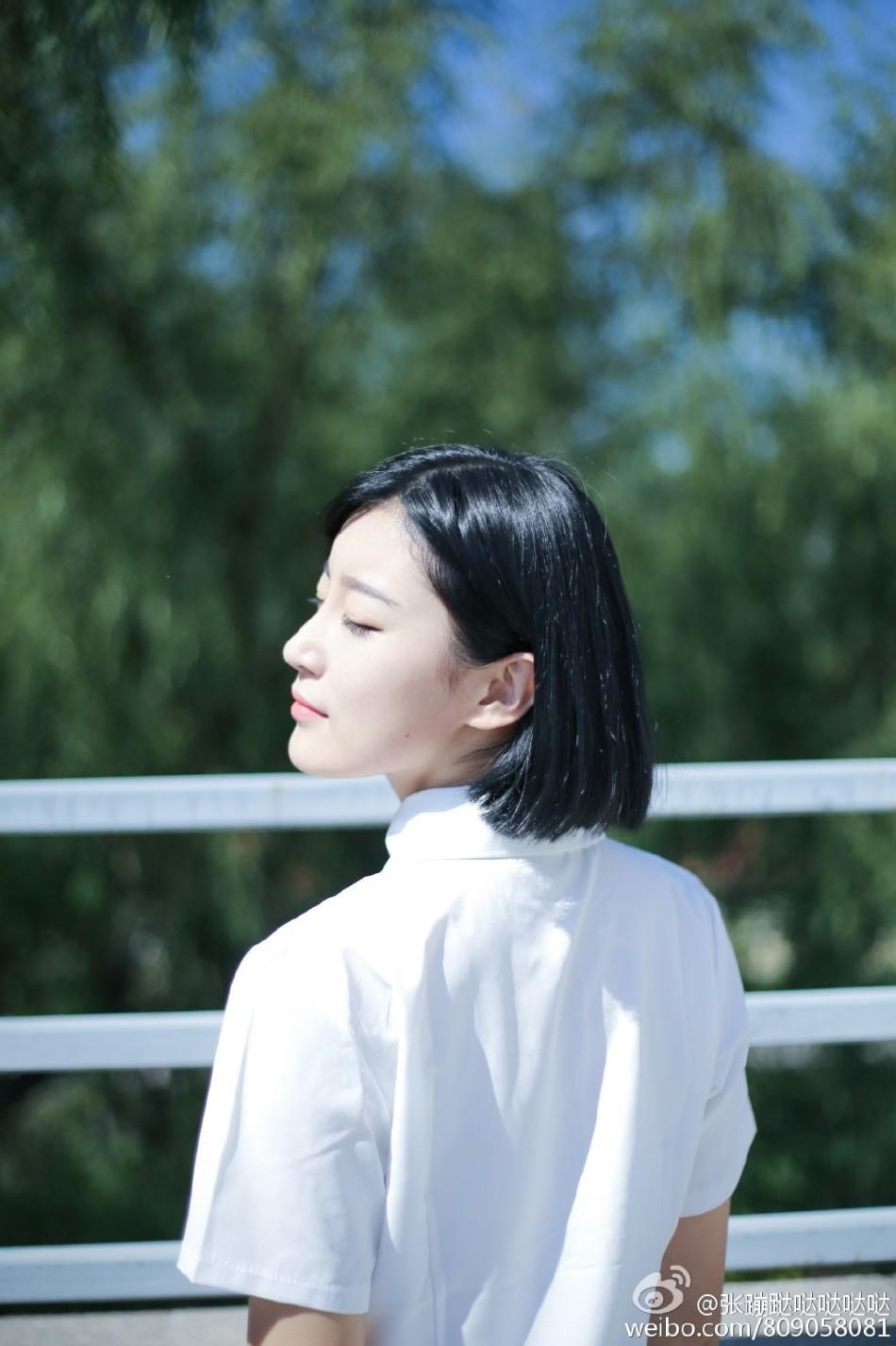 公安大学 清新/近日,来自中国人民公安大学的女生@张蹦跶哒哒哒哒在微博晒出...
