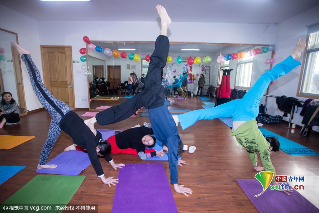 瑜伽练多久可以当教练