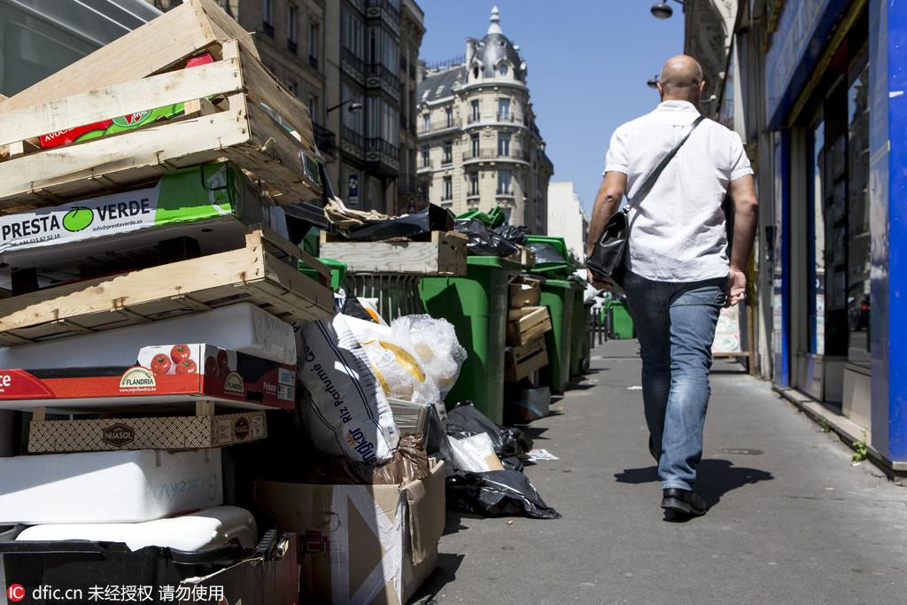 法国巴黎街道小品 垃圾桶