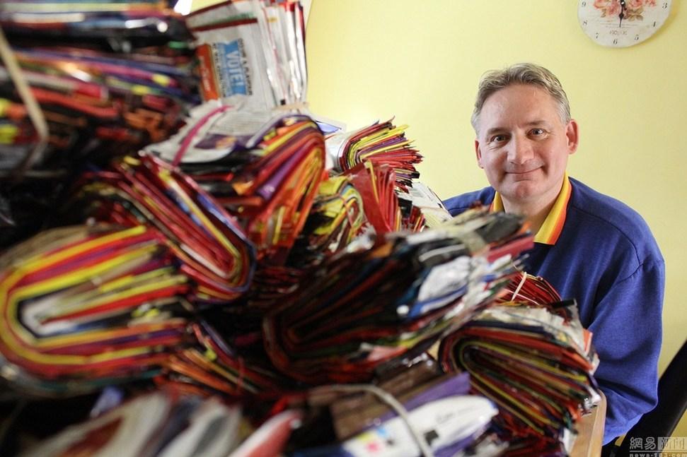 英国一男子十年收集8000个薯片包装袋[3]