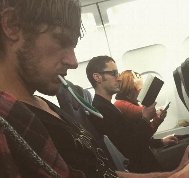 盘点发生在飞机上的奇葩趣事