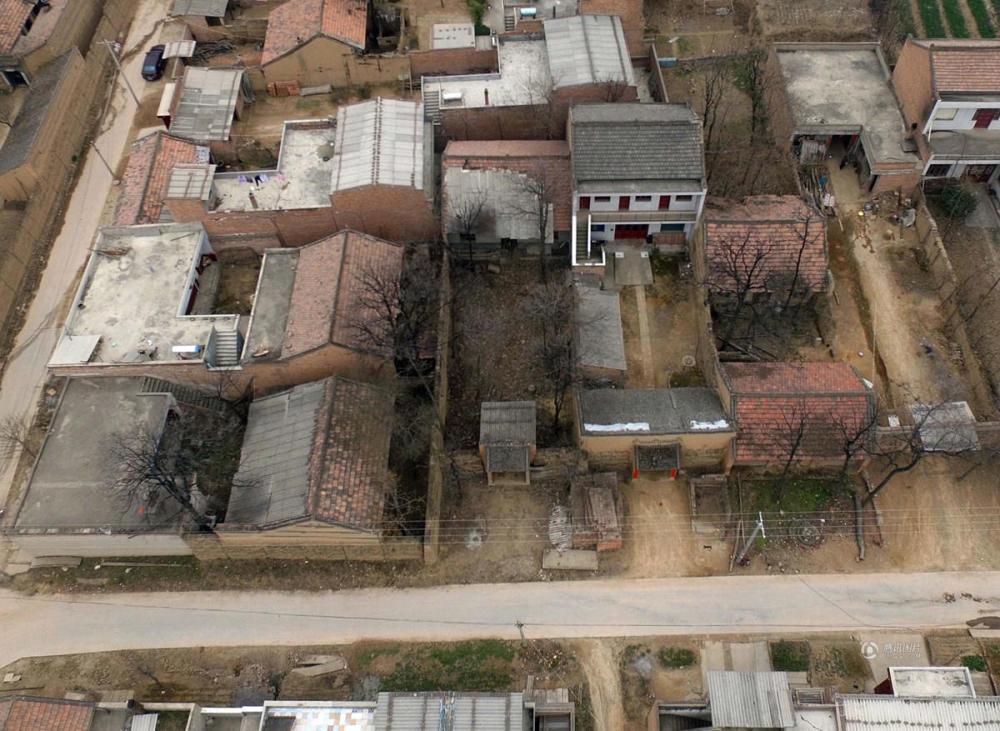 """陕西渭南""""空心村""""老房子20年无人居住"""