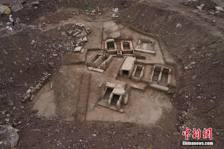 重庆忠县考古发现27座古墓 发掘面积1600平方米