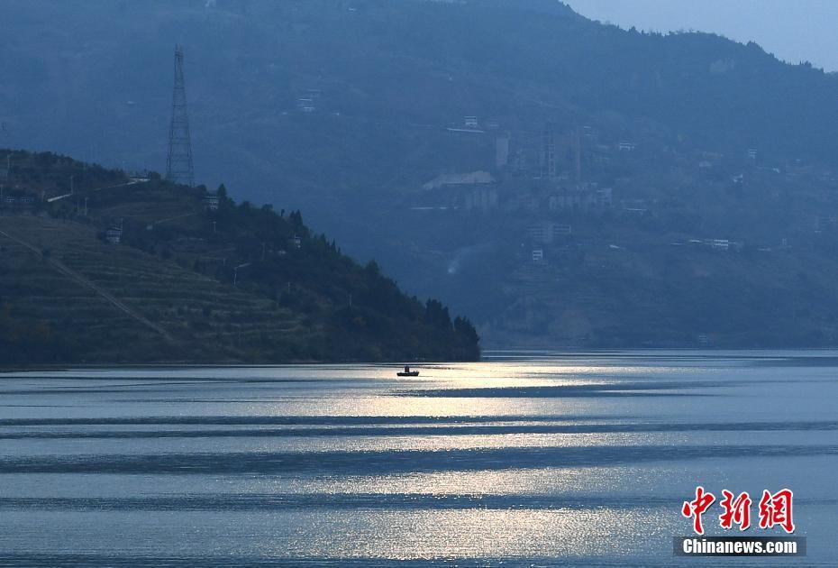 航拍三峡库区蓄水后白帝城变美丽岛屿